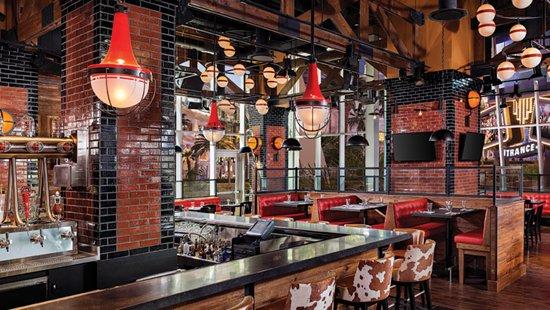 The Linq Hotel Guy Fieri S Las Vegas Kitchen Bar