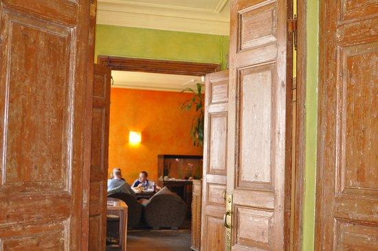 Elevant dining room
