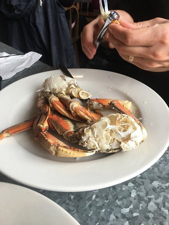 Fish Pirates Saloon: All you can eat crab for $55!