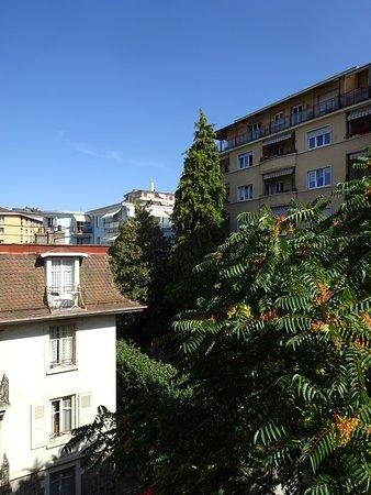 Hôtel du Marché : View from back room
