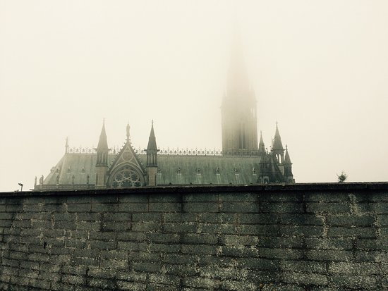 Cobh Cathedral: 👀