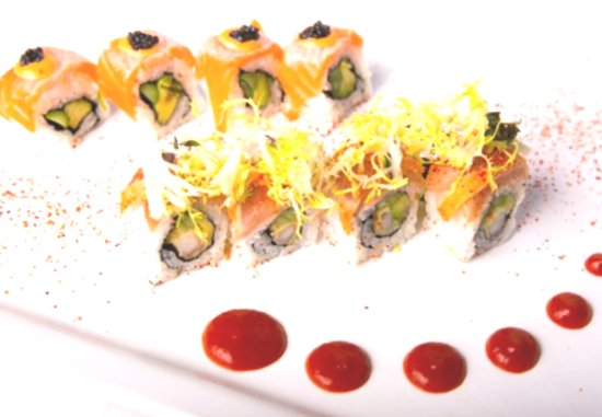 Katsuya: Delicious sushi roll! I eat so many when I am there that I don't remember the name of this one.