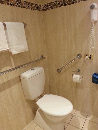 Comfort Inn & Suites Georgian: 20160904_160327_large.jpg