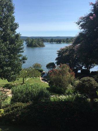 Lookout Point Lakeside Inn: photo0.jpg