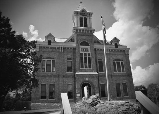 Powhatan, AR: The historical courthouse located on one side of the park.