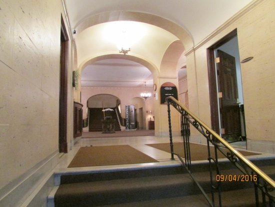 The Boston Common Hotel and Conference Center: Entrance