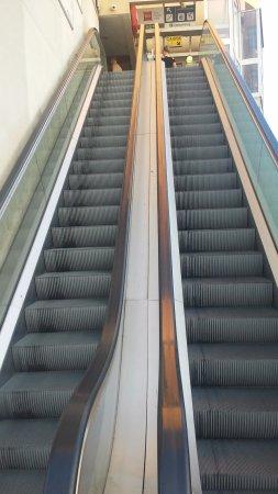 Ibis Nice Centre Gare : Acceso al hotel, unico y muy peligroso