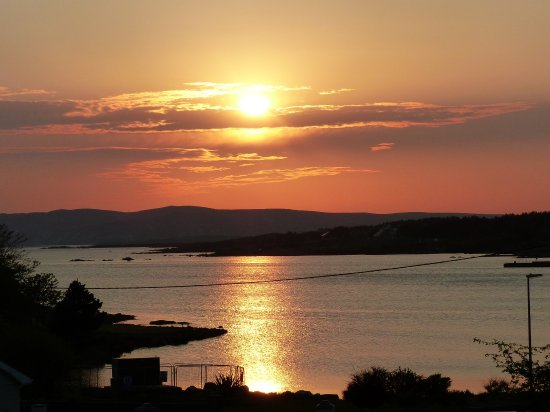 Radharc an Oileain B&B: Sunset