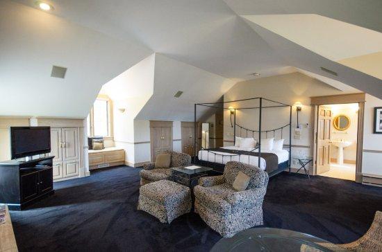 The Inn at Black Star Farms: Diadem Room