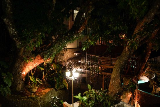 Hampshire Hotel - Queen's Garden Resort Photo