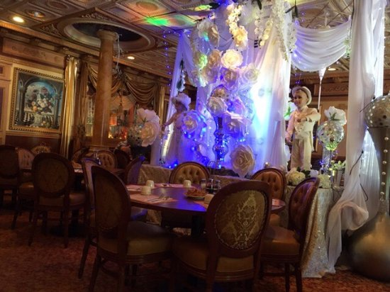 chester s asian chinese is always decorated to the hill picture of chester s asia chinese camarillo tripadvisor asia chinese camarillo tripadvisor