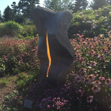 Coastal Maine Botanical Gardens: Striking sculpture in the garden