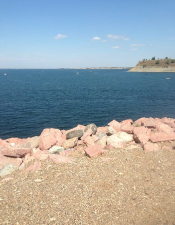 Underwood, ND: Overlook on Lake Sakakawea.