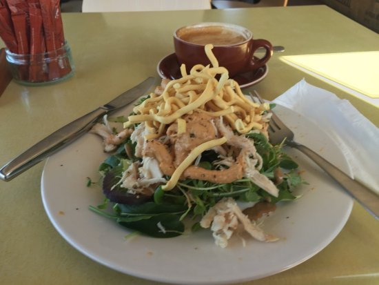Hunterville, New Zealand: Chicken salad