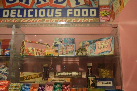 Dylan's Candy Bar: photo3.jpg