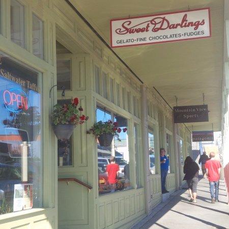 Sweet Darlings: Storefront