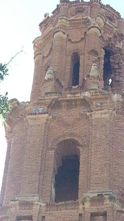 Belchite : Iglesia del Convento de San Agustín. Torre mudéjar
