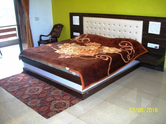 Luxury Double Bed Creative