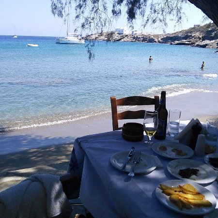 Kamaroti Suites Hotel: Nearby Chrysopigi beach