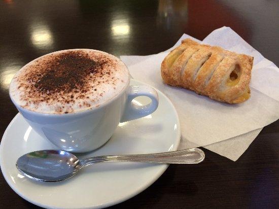 Pero, Italia: il super cappuccino fatto da Antonio