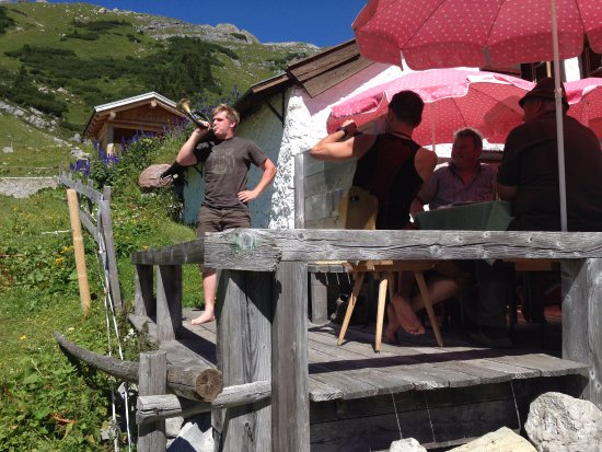 Gasthof Post Hotel: lunch in the mountain hut