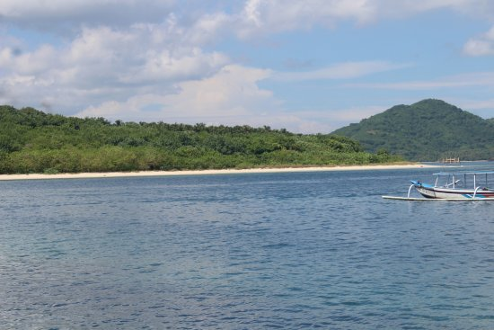 Gili Nanggu is a white sandy beach emerald vivid water