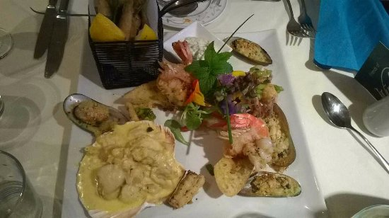 Ovington, UK: Seafood sharing platter especially prepared for us.