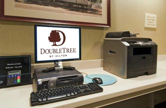 Doubletree Suites by Hilton Hotel Cincinnati - Blue Ash : Business Center