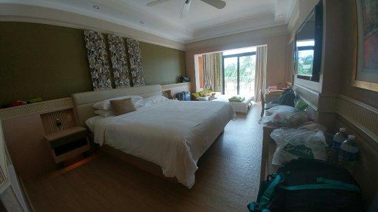 Shangri-La's Rasa Sentosa Resort & Spa: 20160905_122237_HDR_large.jpg