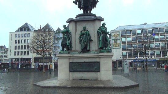 Reiterstandbild Kaiser Friedrich III.