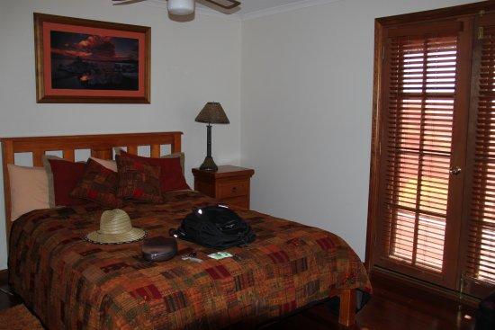 Eleanor River Homestead - Kangaroo Island: main bedroom