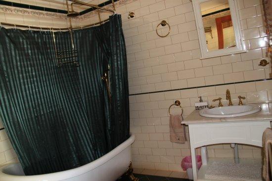Seddon, Australien: shower over bath