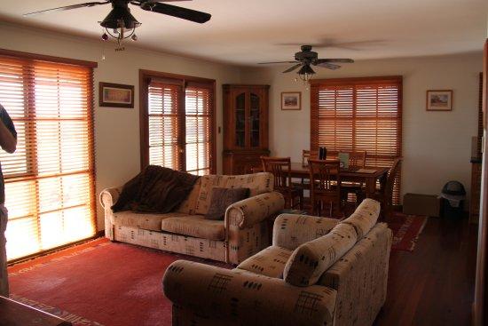 Eleanor River Homestead - Kangaroo Island: lounge, dining area