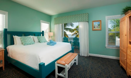 Parrot Key Hotel and Resort: Waterfront Suite or Villa King Master Bedroom