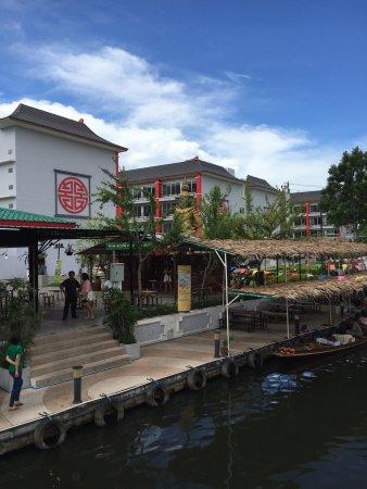 Thonburi Market - Sanam Luang 2