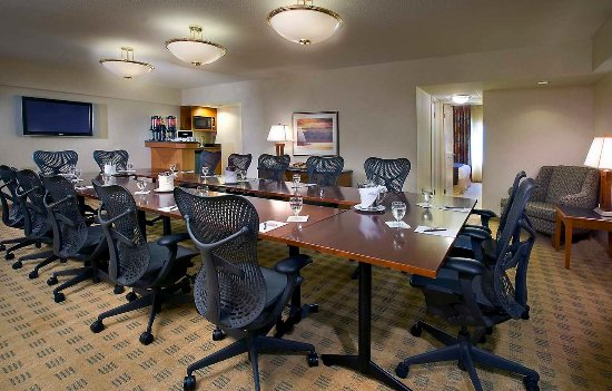 Doubletree Suites by Hilton Hotel & Conference Center Chicago / Downers Grove: 2-Bedroom Conference Suite