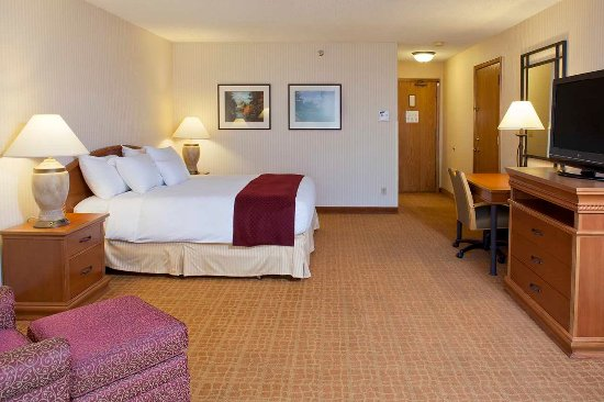 DoubleTree by Hilton Durango: River View King Guest Bedroom