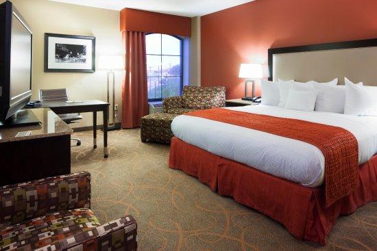 DoubleTree by Hilton Hotel Austin - University Area: King Room