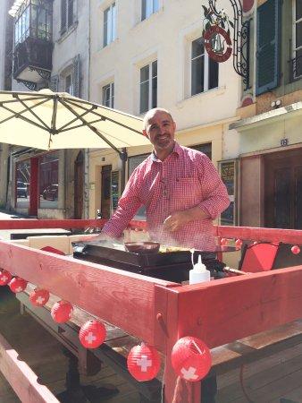 Porrentruy, Schweiz: Le chef en action