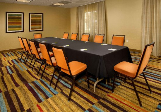 Germantown, MD: Meeting Room - 533 Sq Feet