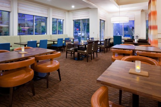 Hilton Garden Inn Minneapolis-Shoreview - The Garden Grill