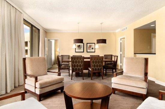 Hilton Atlanta: Triple Bay Suite