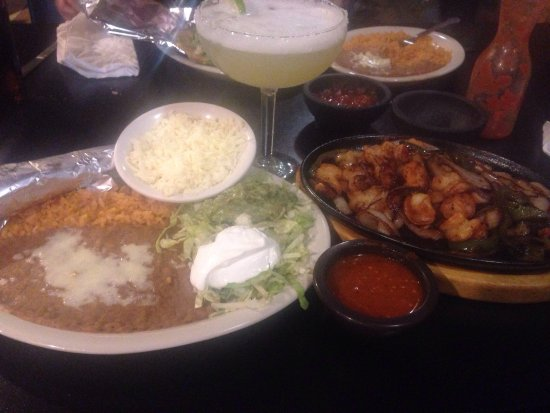 Plymouth, IN: Shrimp Fajitas Fantastic!