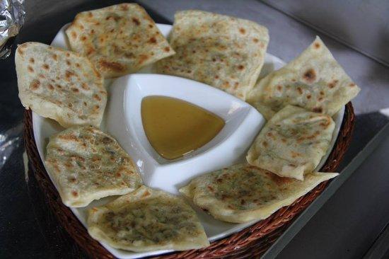 Trikomo, Chipre: hellim böreği