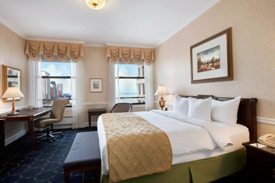 The Drake Hotel: Executive Floor King Bed