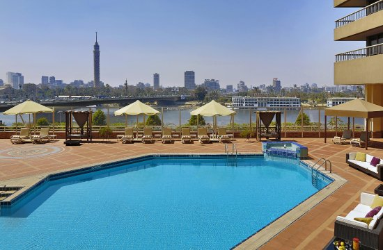 Ramses Hilton: Outdoor Pool Terrace
