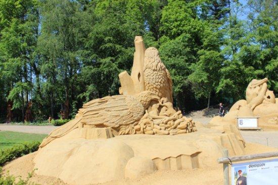 "Blokhus, Denemarken: Sandskulptur ""Ørne"""