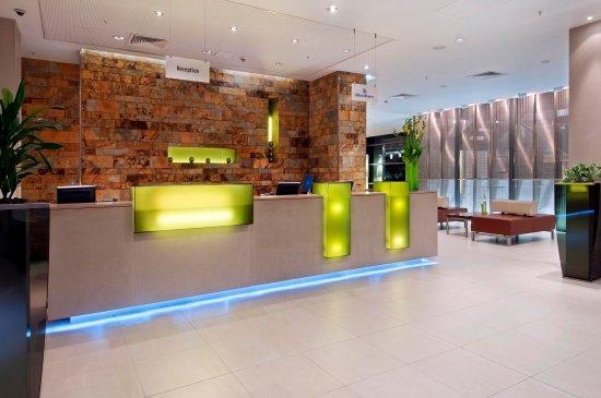 Hilton London Canary Wharf: Lobby