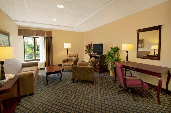 Juno Beach, FL: Suite Living Area
