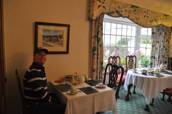 Marless House Bed & Breakfast: breakfast roommy pan